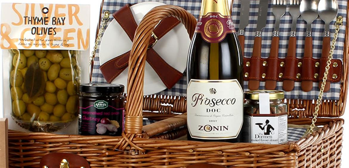 traditional christmas hampers gifts